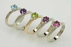 Our Laya Collection of beautiful gold promise rings use quality gem stones.