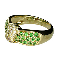Unique Tsavorite and Diamond Ring in 18kt yellow gold